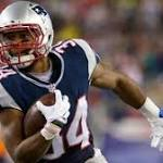 AP Source: Giants agree with Vereen, 3 others