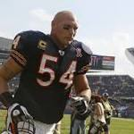 Report: Cowboys could consider Urlacher as linebacker option