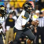 Missouri DL Michael Sam soars to top of SEC sack leaders