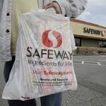 Safeway reports 1st-quarter loss