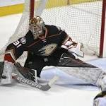 Ducks trade G Andersen to Maple Leafs for 2 draft picks