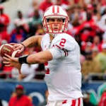 QB controversy: Stave not hurt after all, has 'yips'