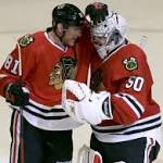 Blackhawks end Ducks' win streak