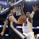 Amid apparent chaos, Warriors rout Jazz 130-102