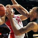 Arizona Wildcats roll to 45-25 halftime lead over Oakland