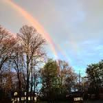 Look at this amazing quadruple rainbow