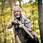 TV review: WGN's 'Outsiders' is grubby, grim