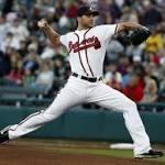 Dodgers sign rehabbing starter Brandon Beachy