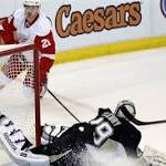 Penguins fall to Red Wings, 5-4, in overtime