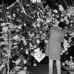 Mark David Chapman Used Legal Handgun to Kill Lennon