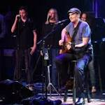James Taylor Finally Hits No. 1 on U.S. Album Chart