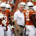 Texas and Baylor offenses both go cold in first half