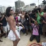 'Topless' protest falls flat in Brazil
