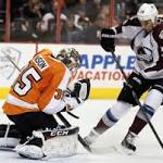 Mason strong again in Flyers' 3-1 win over Avs