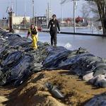 Midwest Fights Off Rising Floodwaters