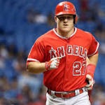 Yankees stopped by Trout's glove, bat in 4-1 loss to Angels