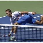 Milestone win for Federer