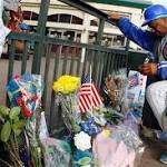 Cubs, mayor's office planning public memorial for Ernie Banks