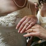 Rhode Island becomes 10th state with gay marriage