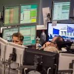 US Stocks Trade Lower