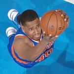 Knicks officially release Kurt Thomas, sign Solomon Jones