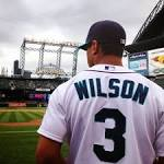 Russell Wilson makes his one pitch count