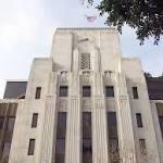 Gannett pressures Tribune over takeover bid