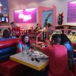 Lines to the 'Max' for 'Saved by the Bell' pop-up restaurant