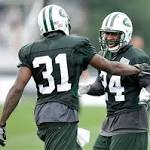 AP source: Jets sign Antonio Cromartie to 4-year deal