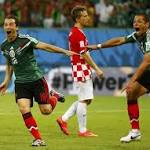 Substitute Hernandez inspires Mexico to reach last 16