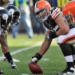 Source: Jaguars, center Alex Mack agree on offer sheet terms