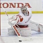 Mrazek shuts down Lightning again, Red Wings win Game 5