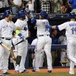 Blue Jays beat Indians to return to .500