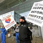 Bag workers picket Southwest Airlines over flight delays
