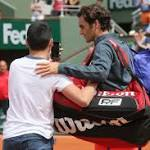 Federer upset about close encounter with fan at French Open
