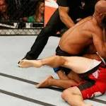 Demetrious Johnson defends UFC flyweight title in Las Vegas by submitting ...