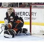 Ducks fall to Coyotes in shootout, 3-2