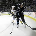 Niemi leads Sharks past Predators 2-0
