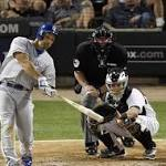 Mike Moustakas, Royals slide into 2-1 victory over White Sox