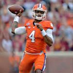 Clemson quarterback Deshaun Watson runs away with Manning Award