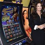 'Wonder Woman' star Lynda Carter takes on LV slot machines at G2E