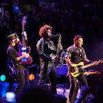 Bruce Springsteen's 'River Tour' Rocks David Bowie, Glenn Frey Tributes in Chicago [Review]