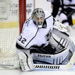 McNabb, Quick lift Kings to 5-2 win over Avalanche