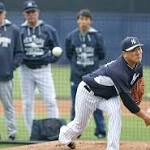 Tanaka throws simulated game as Yanks hope elbow holds up