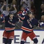 Blackhawks fall to Rangers 2-1