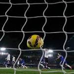 Chelsea maintains 7-point lead over Man City as top 2 win