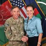 Prosecutors weigh charges against David Petraeus involving classified information