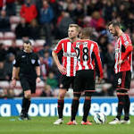 Arsenal wins, Sunderland humiliated in Premier League