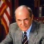 Steven Hill, District Attorney Adam Schiff on 'Law & Order,' Dies at 94