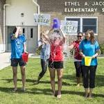 La Mirada council takes Ice Bucket Challenge at Splash! aquatics center